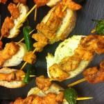 Brochetita de pollo adobado con pimiento para el Pinchato de La Taberna del Tío Blas