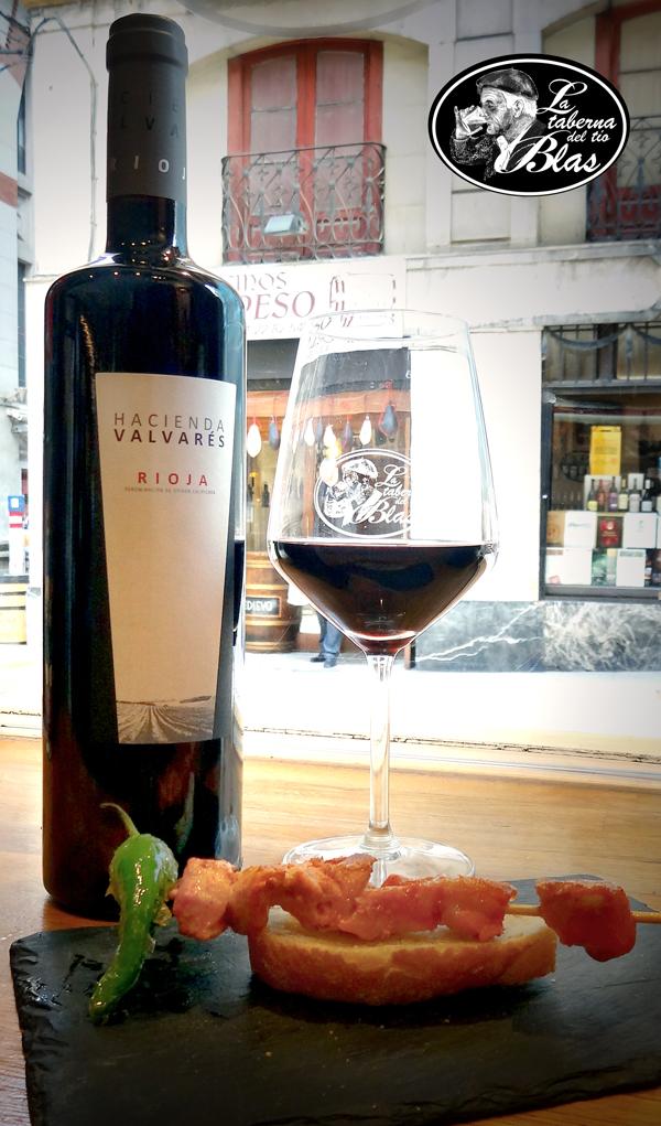 Oferta Vino Hacienda Valvarés con pincho.